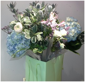 Country Style Hand Tied (Florist Choice)