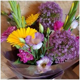 Mixed Hand Tied BQ (Florist Choice)