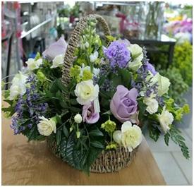 Country Garden Basket (Florist Choice)