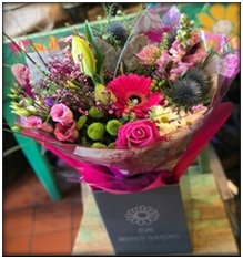 Luxury mixed flower aquabouquet -flowers & colours vary from