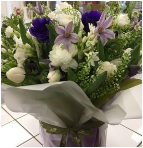 Seasonal Vase Mix (Florist Choice)