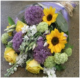 Gift Wrapped Bouquet (Prices from �.00)
