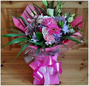 Mixed Aqua Boxed Bouquet (Florist Choice)