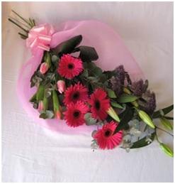 Traditional Flat Bouquet (Florist Choice)