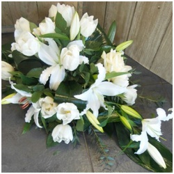 Single Ended White Spray (Contact Florist to Discuss)