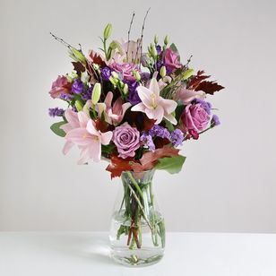 Vase arrangement ( Florist Choice)