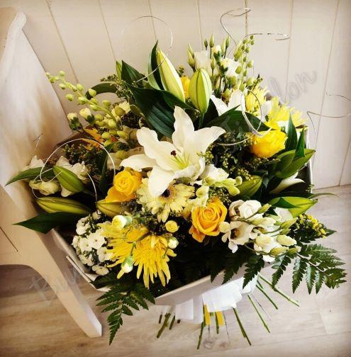Mixed Aqua (Florist Choice)