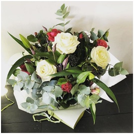 Red and White Mixed BQ (Florist Choice)