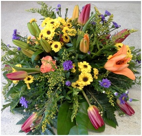 Seasonal Posy (Florist Choice)