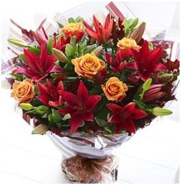Trendy Urban Bouquet (Florist Choice)