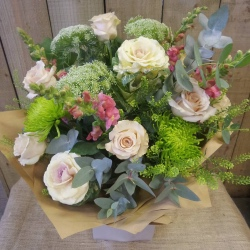 Pink Aqua Box (Florist Choice)