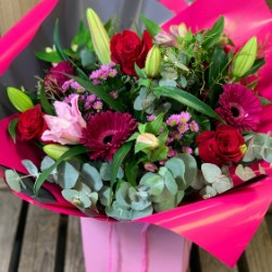Passion Hand Tied Bouquet (Florist Choice)
