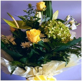 Yellow Mixed Hand Tie (Florist Choice)