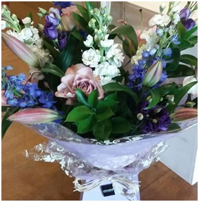 Large Aqua Bouquet (Seasonal, Florist Choice)