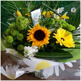 Hand Tied Bouquet (Yellow/Green Florist Choice)