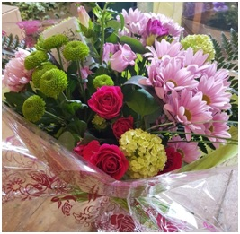 Hand Tied Bouquet (Pink Florist Choice)