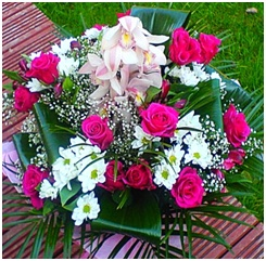 Pink and White Mixed BQ (Florist Choice)