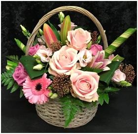 Seasonal Small Basket (Florist Choice)