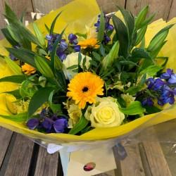 Summery Colours Bouquet (Florist Choice)