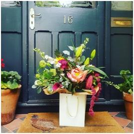 Seasonal Aqua Box (Florist Choice)