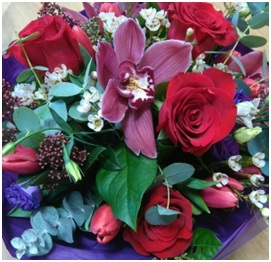 Red Rose Hand Tied Bouquet (Florist Choice)