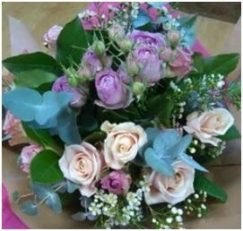 Vintage Rose Bouquet (Florist Choice)