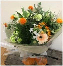 Peach and Cream Bouquet (Florist Choice)