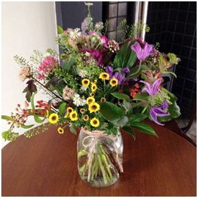 Country Style Bunch (Vase not Included, Florist Choice)