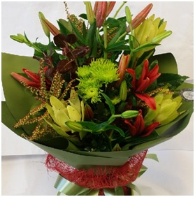 Green and Red Mix (Florist Choice)