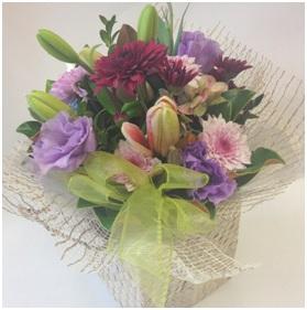 Kete Bag of Flowers (Florist Choice)