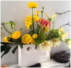 Seasonal Arangement (Florist Coice)