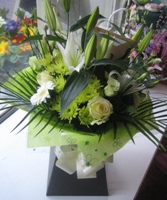 Pure Hand Tied Bouquet (Florist Choice)