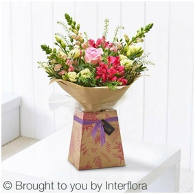 Hot Summer Gift Box (Florist Choice)