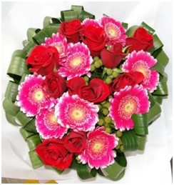 Roses and Gerbera Bouquet (Florist Choice)