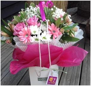 Mixed Pink Bouquet (Florist Choice)
