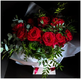 Luxury Roses (Price will vary on Valentine's Day)