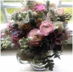 Mixed Vase Arrangement (Florist Choice)