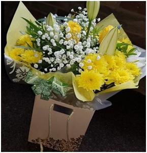 Yellow Aqua Box (Florist Choice)