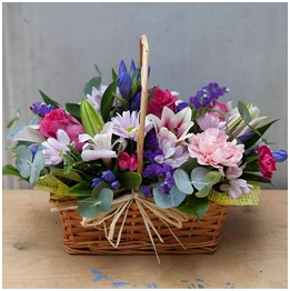 Seasonal Basket Arrangement (Florist Choice)