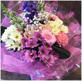 Pink Blush Hand Tie (Florist Choice)