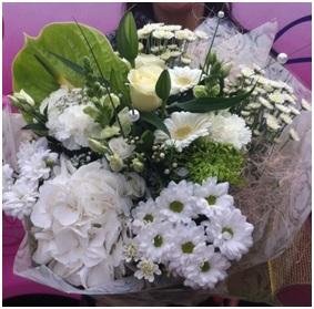Wonderful White Mix (Florist Choice)