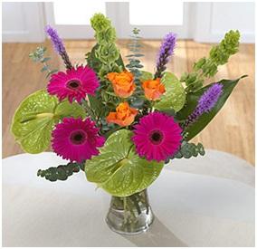 Seasonal Hand Tie (Florist Choice)