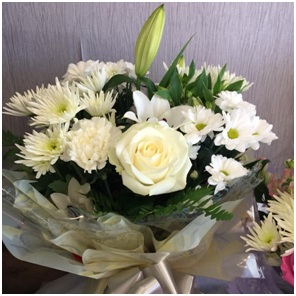 White Mixed Bouquet (Florist Choice)