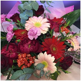 Red and Pink Mixed Bouquet (Florist Choice)