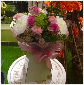 Pink and White Mixed Bouquet (Florist Choice)