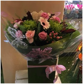Soft Pink Aqua Box (Florist Choice)