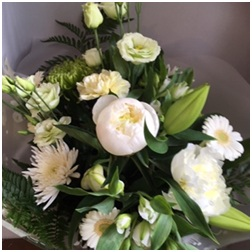 Tied bouquet (FC) S = �, M = � and L = �
