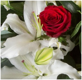 Romance Bouquet (Seasonal, Florist Choice)