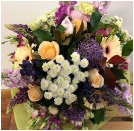 Softer Coloured Mixed Bouquet (Florist Choice)