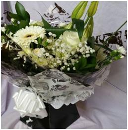 Classical Aqua Boxed Bouquet (Florist Choice)